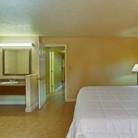 Image of Superior Accessible Suite at our affordable Kissimmee hotel
